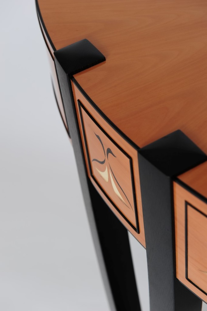 CHILTON Design_Black Swan_3 (Large)