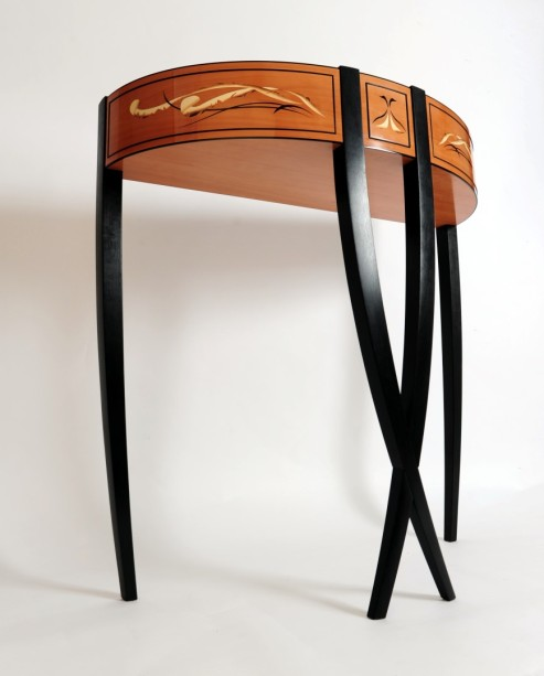 CHILTON Design_Black Swan_side table furniture design